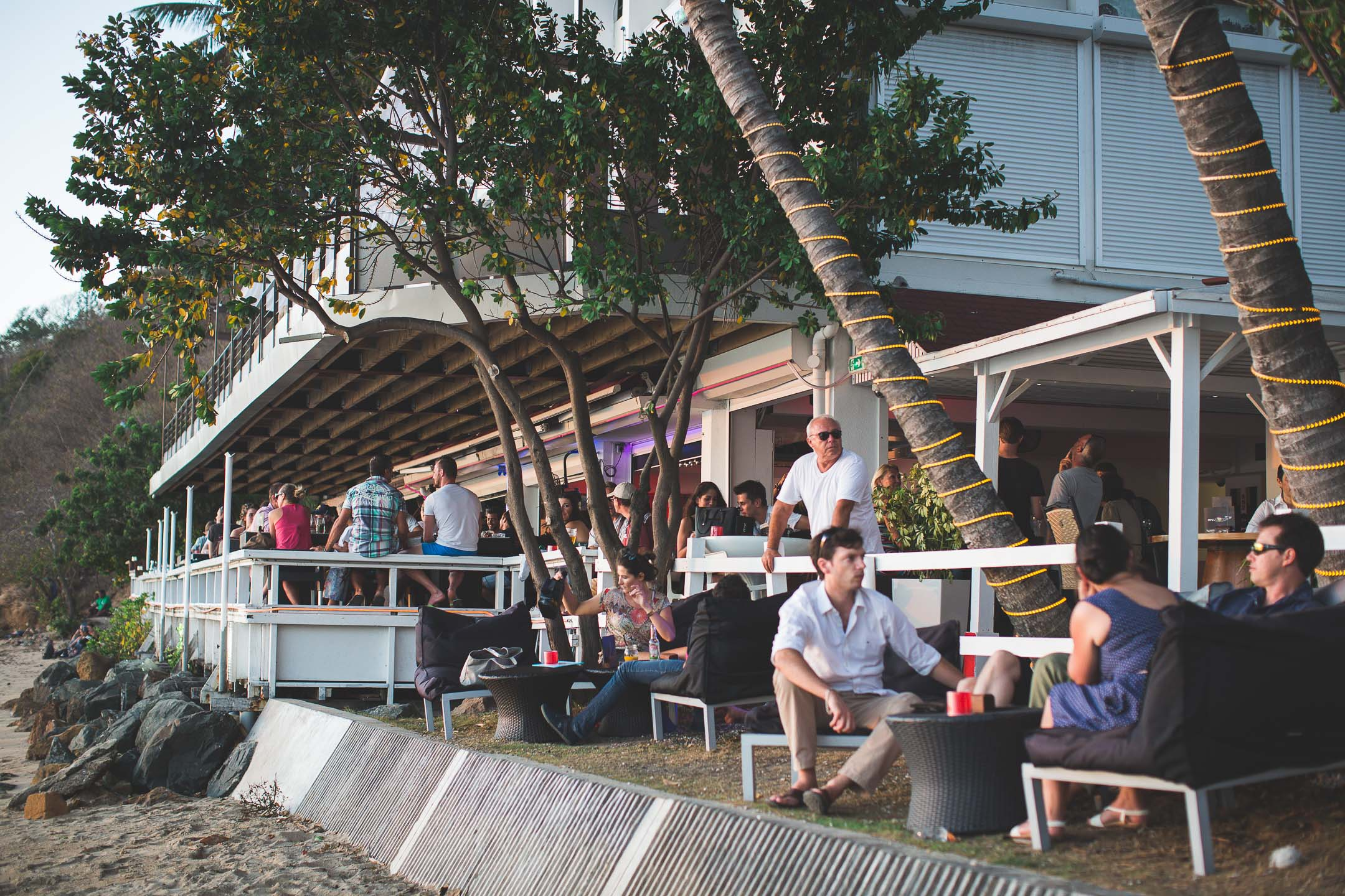 Le MV Lounge Bar/Restaurant à Nouméa
