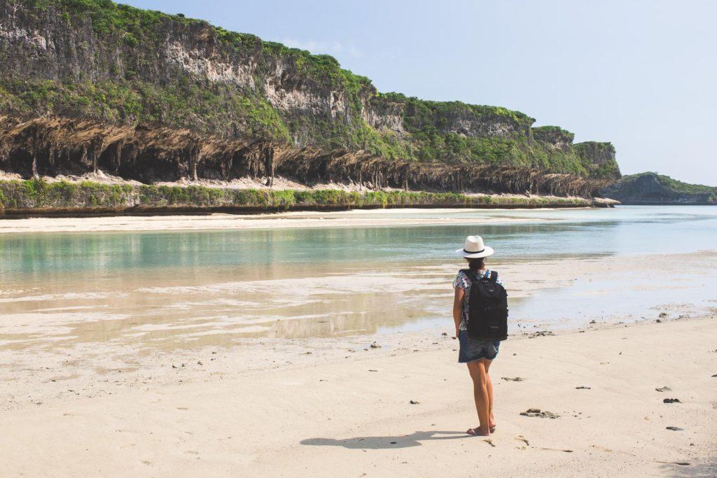 falaises de lekiny ouvéa nouvelle calédonie